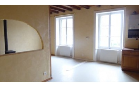 Appartement F5 DUPLEX - BEURE HORS AGGLOMERATION