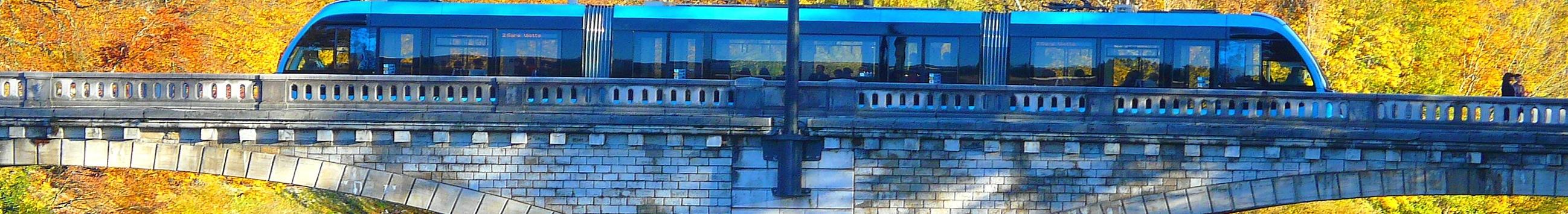 Le Tram sur le Pont St Pierre